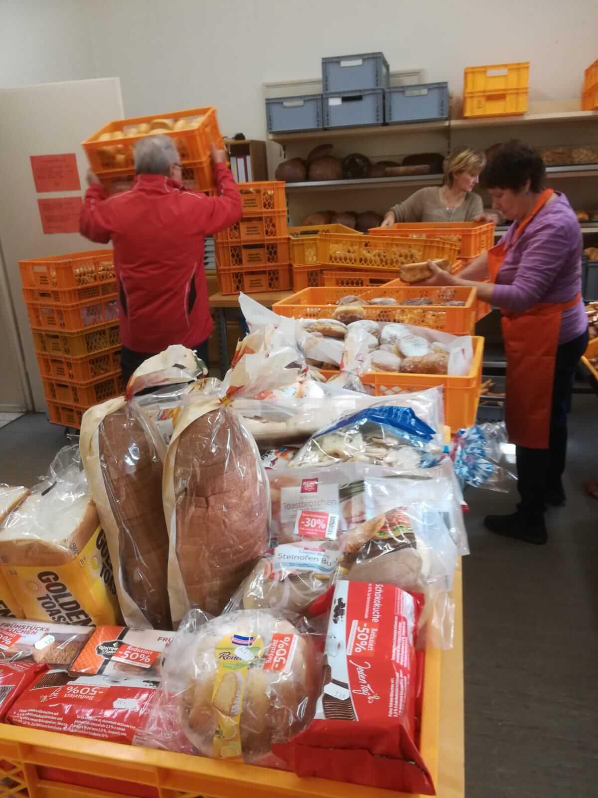 tafel-brueckenau-lebensmittel-helfer-spenden
